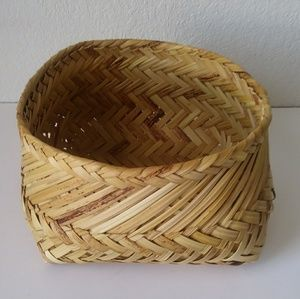 Hand Woven Native style Basket 5x9""